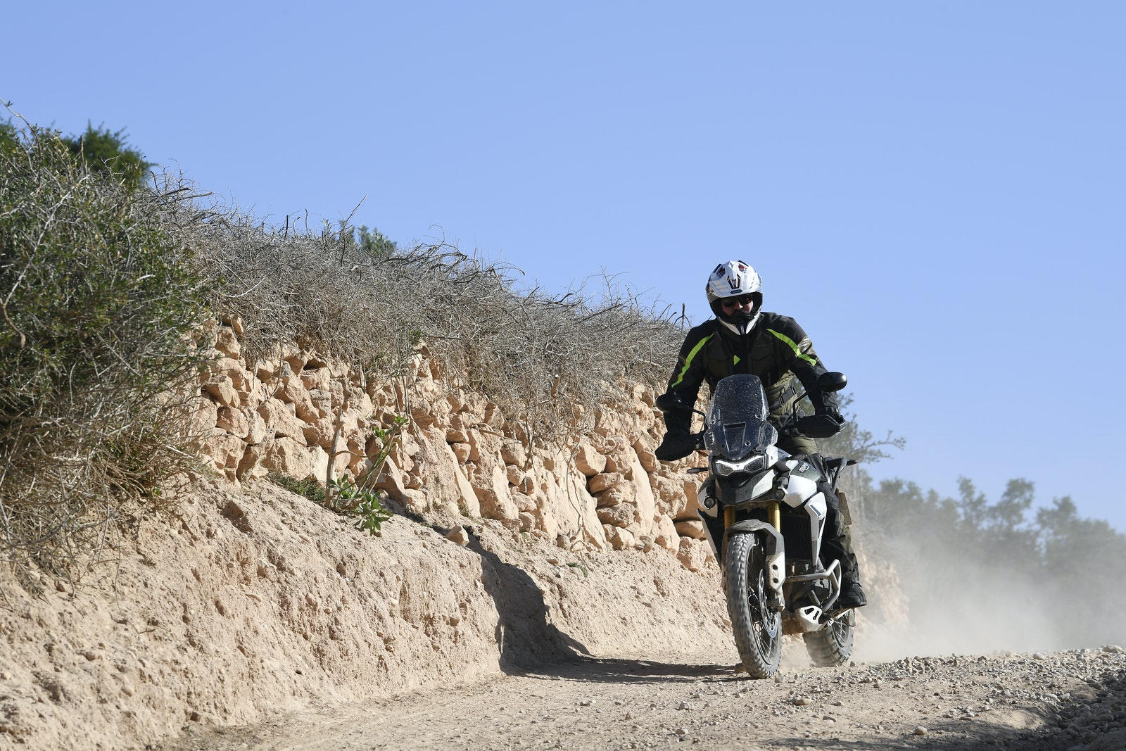 Rally GT PRO Tiger Triumph 900 Test ride test